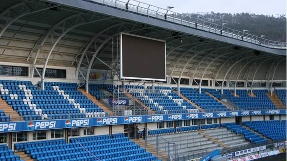 High Contrast P16 Outdoor Led Display , Football Stadium Led Display 7500nits /M²