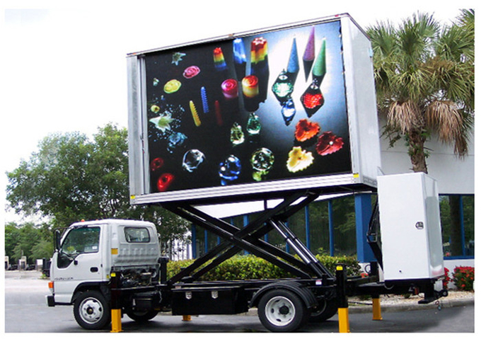 P10mm 1R1G1B Vehicle LED Display , Truck Mounted LED Screen Energy Saving 1